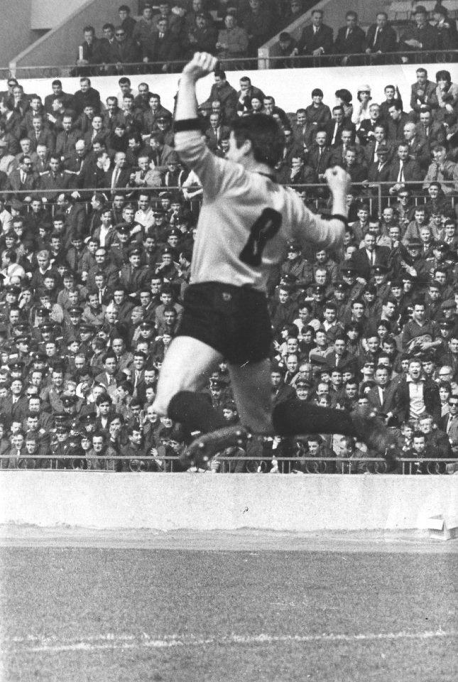 Динко Дерменджиев Чико като футболист
