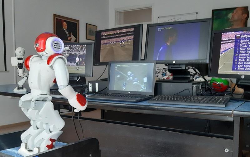 ВАР рефер роботът Калия